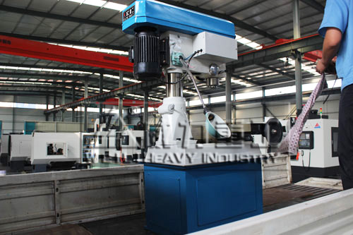 ZXTM-40多功能钻铣床ling却系统维护保养